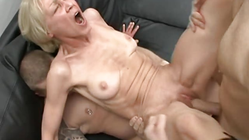 Skinny German Granny Taking Two Huge Cocks All At Once -1133