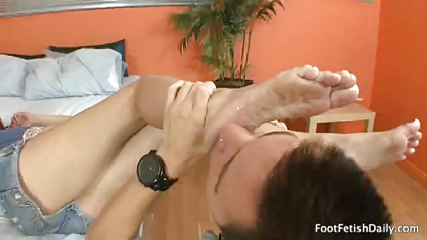 Maryjane johnson gets her feet smoothered in tongue !