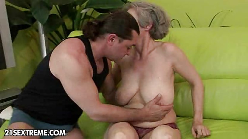 Big cock in granny pussy