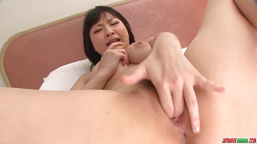 japan-finger-fuck