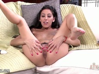 Brunette toys her pussy | Porn-Update.com