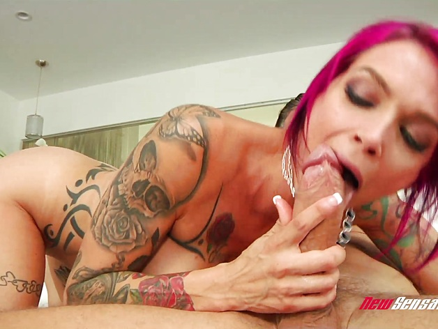 Hot mommy Anna Bell Peaks in Anal Session With Mick Blue
