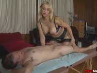 Client Arrives To See The libidinous Blonde Masseuse Sarah Vandella | Porn-Update.com