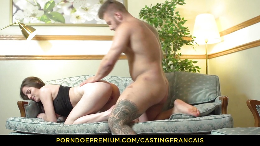 CASTING FRANCAIS - Cutie enjoys her first porn tape