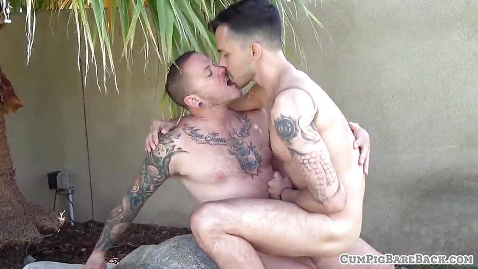 Barebackcumpigs outdoor wife cock sucking