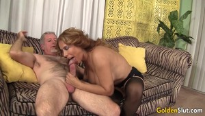Kinky Mature Nikki Ferrari Rides an Old Dick